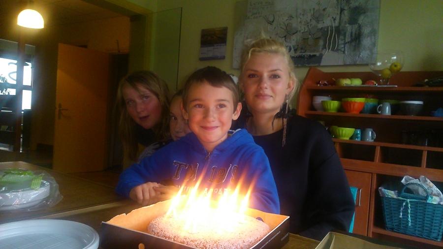 Joyeux anniversaires alexandra et esteban les maisons - Maison des enfants de la cote d opale ...