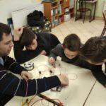 Images de la cinquième séance d'ateliers physique-chimie au Centre de Jour