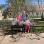 La vie de foyer !! Comment ça se passe depuis le confinement ? : BBQ party à la ferme (épisode 44)