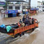 """Lettre de Shila : """"Les pêcheurs de Kollam et des petits ports de la côte du Kerala, sauveteurs et héros, pendant les inondations"""""""