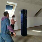 """Exposition """"Rien n'est joué d'avance"""" : installation du prêt d'oeuvres en """"Salle Sophro"""" (épisode 1)"""